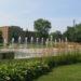 Place publique et fontaines, devant l'hôtel de ville (Chicoutimi)